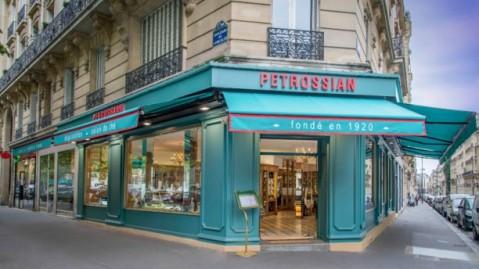 petrossian-courcelles-facade-depuis-le-metro-courcelles-5c077