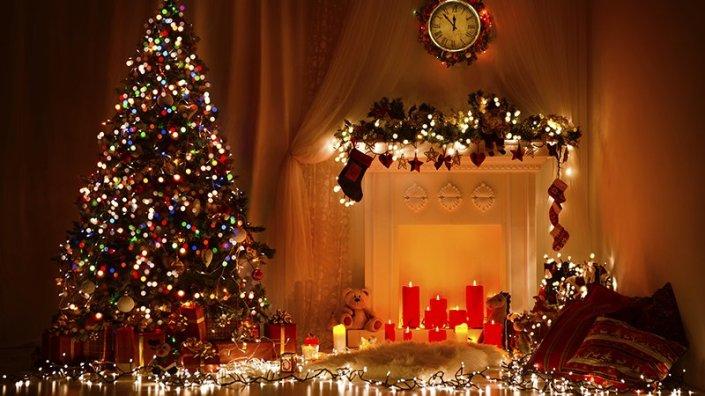 sapin-noel-decoration-guirlande-cadeaux.jpg